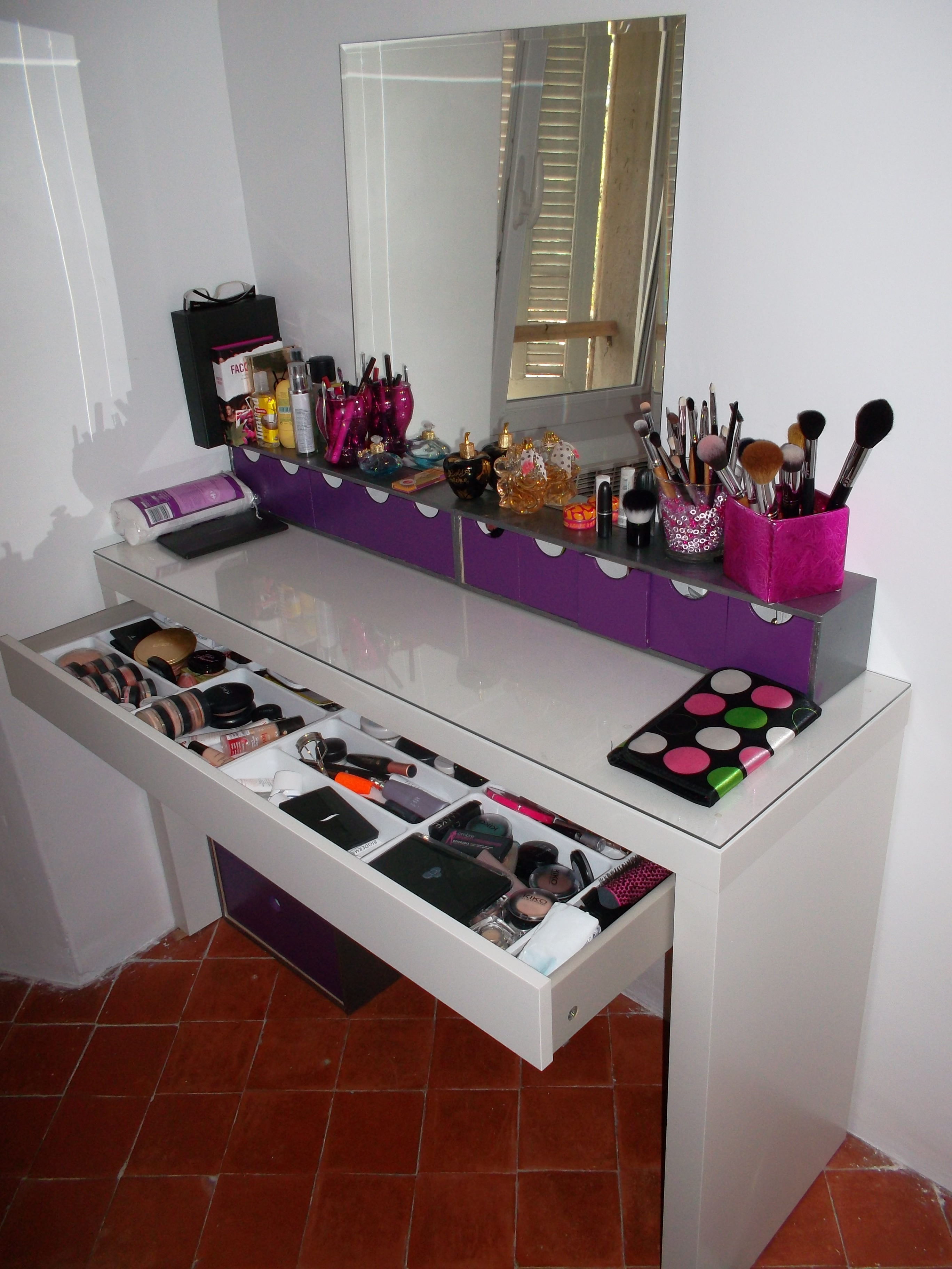 white corner makeup vanity images